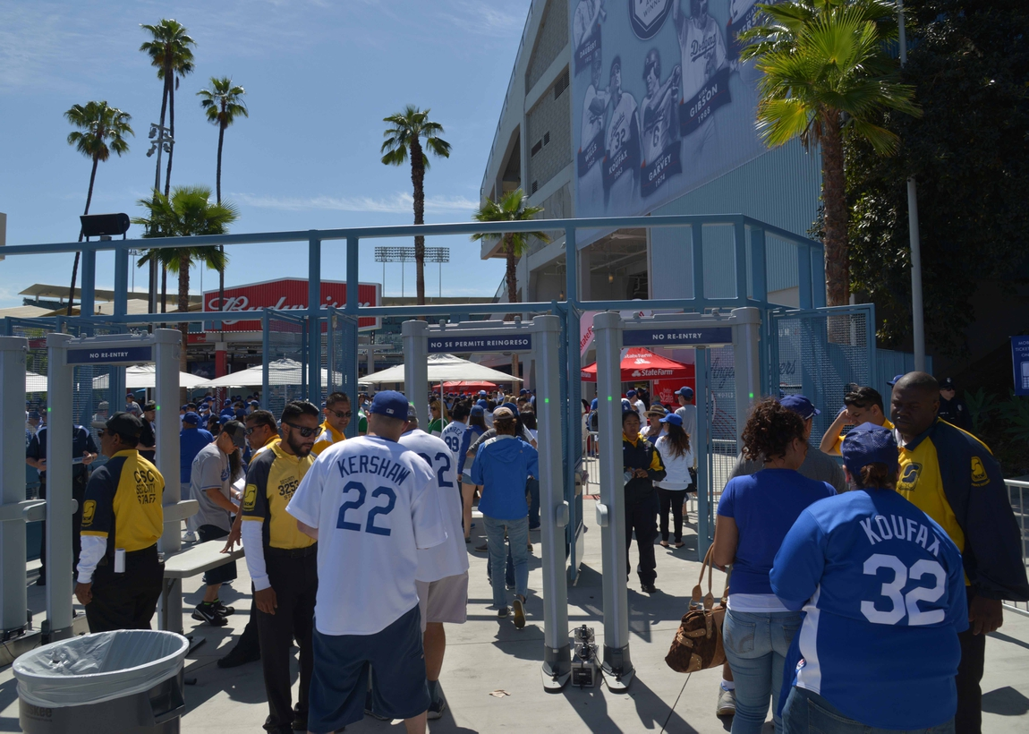 c910b3bbb16 Gonzalez homers 3 times to lead Dodgers past Padres 7-4   Los ...