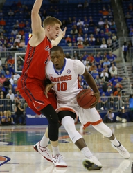 Florida Gators vs. Alabama Crimson Tide - 2/13/16 College Basketball Pick, Odds, and Prediction