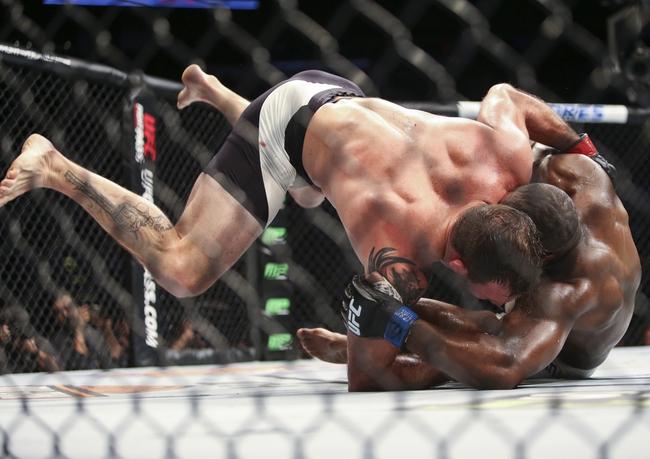 Ryan Bader encontrou poucas dificuldades contra Rashad Evans (Foto: Troy Taormina/USA TODAY Sports)