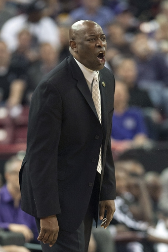 Apr 17, 2013; Sacramento, CA, USA; Sacramento Kings head coach Keith Smart directs his team during the fourth quarter of the game against the Los Angeles Clippers at the Sleep Train Arena. The Los Angeles Clippers defeated the Sacramento Kings 112-108. Mandatory Credit: Ed Szczepanski-USA TODAY Sports
