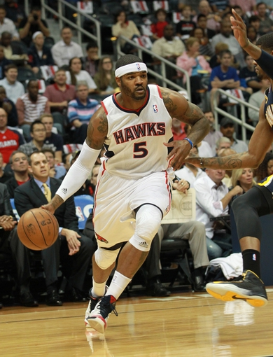 Apr 29, 2013; Atlanta, GA, USA; Atlanta Hawks forward Josh Smith (5) drives to the basket against the Indiana Pacers in game four of the first round of the 2013 NBA playoffs at Philips Arena. Mandatory Credit: Marvin Gentry-USA TODAY Sports