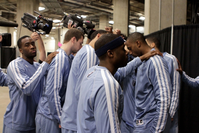 May 19, 2013; San Antonio, TX, USA; Members of the Memphis Grizzlies huddle before game one of the Western Conference finals of the 2013 NBA Playoffs against the San Antonio Spurs at AT&T Center. Mandatory Credit: Troy Taormina-USA TODAY Sports