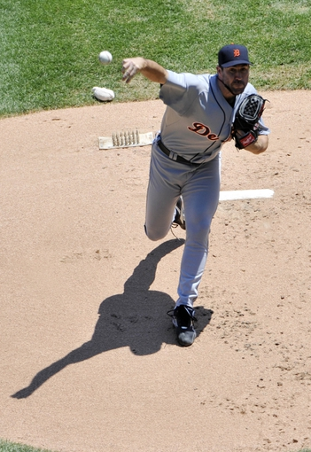 Jul 25, 2013; Chicago, IL, USA; Detroit Tigers starting pitcher Justin Verlander (35) pitches against the Chicago White Sox during the first inning at U.S. Cellular Field. Mandatory Credit: David Banks-USA TODAY Sports