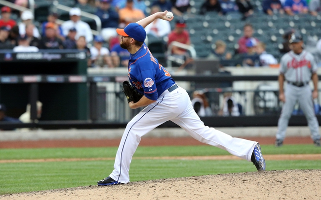 Jul 25, 2013; New York, NY, USA;   New York Mets relief pitcher Bobby Parnell (39) pitches during the ninth inning against the Atlanta Braves at Citi Field. Mets won 7-4.  Mandatory Credit: Anthony Gruppuso-USA TODAY Sports