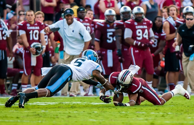Aug 29, 2013; Columbia, SC, USA; South Carolina Gamecocks wide receiver Damiere Byrd (1) recovers a fumble by North Carolina Tar Heels wide receiver T.J. Thorpe (5) on a punt in the second quarter at Williams-Brice Stadium. Mandatory Credit: Jeff Blake-USA TODAY Sports