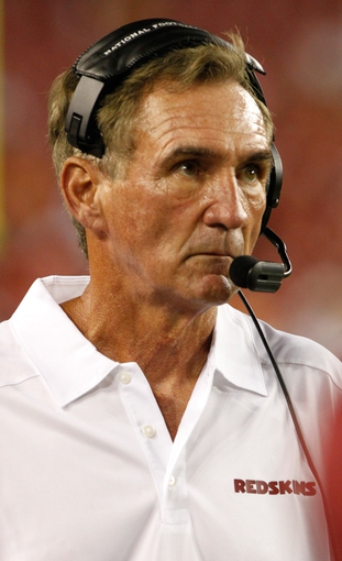 Aug 29, 2013; Tampa, FL, USA; Washington Redskins head coach Mike Shanahan against the Tampa Bay Buccaneers during the second half at Raymond James Stadium. The Redskins won 30-12. Mandatory Credit: Kim Klement-USA TODAY Sports
