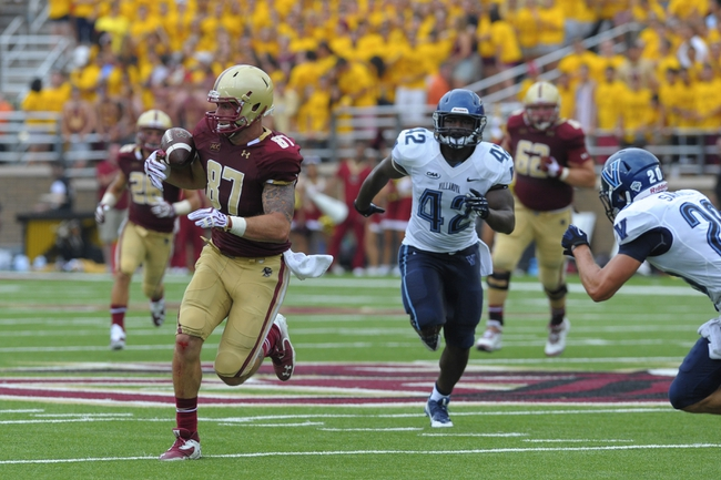 Aug 31, 2013; Boston, MA, USA; Boston College Eagles tight end C.J. Parsons (87) makes a catch during the second half against the Villanova Wildcats at Alumni Stadium. Mandatory Credit: Bob DeChiara-USA TODAY Sports
