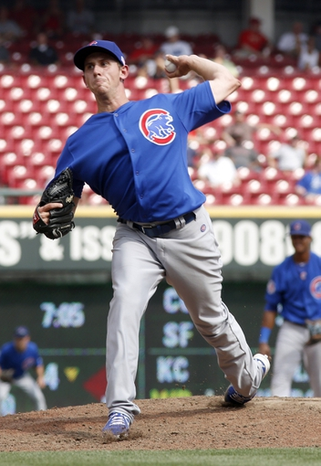 Sep 11, 2013; Cincinnati, OH, USA; Chicago Cubs relief pitcher Zac Rosscup throws against the Cincinnati Reds at Great American Ball Park. Mandatory Credit: David Kohl-USA TODAY Sports