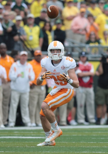 Sep 14, 2013; Eugene, OR, USA; Tennessee Volunteers wide receiver Josh Smith (25) catches a pass in the first quarter against the Oregon Ducks at Autzen Stadium. Mandatory Credit: Scott Olmos-USA TODAY Sports