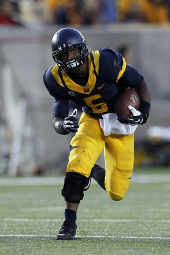 Sep 14, 2013; Berkeley, CA, USA; California Golden Bears running back Brendan Bigelow (5) runs with the ball against the Ohio State Buckeyes in the fourth quarter at Memorial Stadium. The Buckeyes defeated the Golden Bears 52-34. Mandatory Credit: Cary Edmondson-USA TODAY Sports