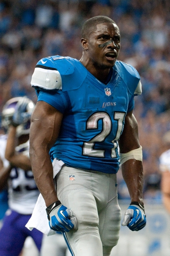 Sep 8, 2013; Detroit, MI, USA; Detroit Lions running back Reggie Bush (21) during the third quarter against the Minnesota Vikings at Ford Field. Mandatory Credit: Tim Fuller-USA TODAY Sports
