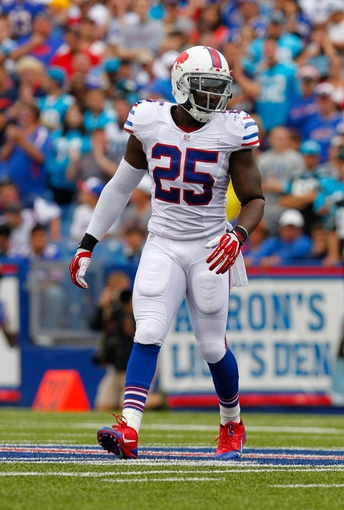 Sep 15, 2013; Orchard Park, NY, USA; Buffalo Bills strong safety Da'Norris Searcy (25) against the Carolina Panthers at Ralph Wilson Stadium. Buffalo beats Carolina 27 to 26.  Mandatory Credit: Timothy T. Ludwig-USA TODAY Sports