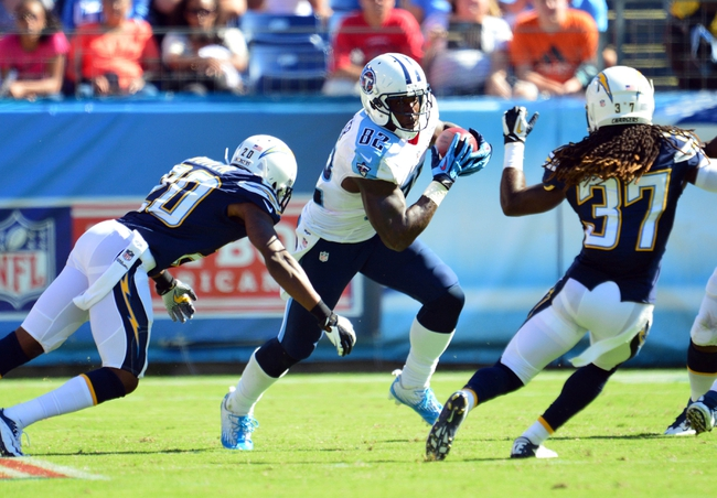 Sep 22, 2013; Nashville, TN, USA; Tennessee Titans tight end Delanie Walker (82) runs with the ball after a reception against the San Diego Chargers during the second half at LP Field. The Titans beat the Chargers 20-17. Mandatory Credit: Don McPeak-USA TODAY Sports
