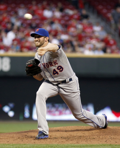 Sep 24, 2013; Cincinnati, OH, USA; New York Mets starting pitcher Jonathon Niese throws against the Cincinnati Reds in the first inning at Great American Ball Park. Mandatory Credit: David Kohl-USA TODAY Sports