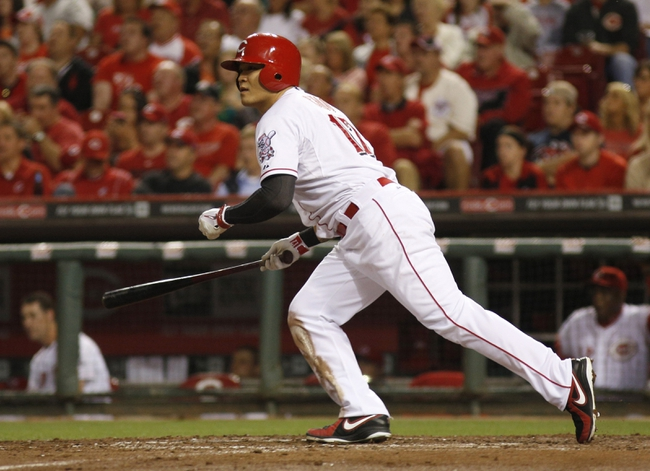 Sep 24, 2013; Cincinnati, OH, USA; Cincinnati Reds center fielder Shin-Soo Choo bats in a game against the New York Mets at Great American Ball Park. Mandatory Credit: David Kohl-USA TODAY Sports