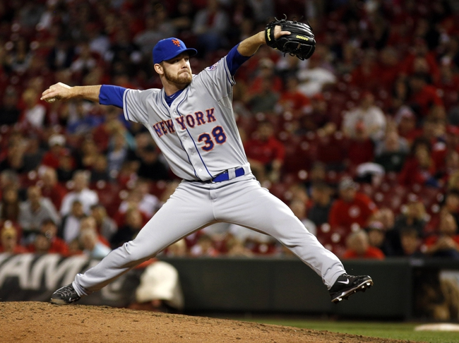 Sep 24, 2013; Cincinnati, OH, USA; New York Mets relief pitcher Vic Black throws against the Cincinnati Reds during the ninth inning at Great American Ball Park. The Mets won 4-2. Mandatory Credit: David Kohl-USA TODAY Sports