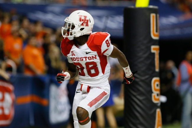 Sep 28, 2013; San Antonio, TX, USA; Houston Cougars wide receiver Xavier Maxwell (88) celebrate a touchdown against the Texas-San Antonio Roadrunners during the second  half at Alamodome. Houston won 59 - 28. Mandatory Credit: Soobum Im-USA TODAY Sports
