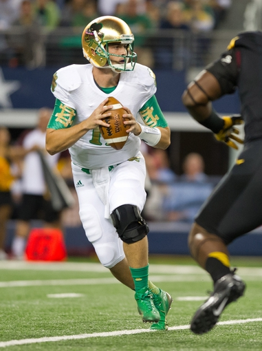 Oct 5, 2013; Arlington, TX, USA; Notre Dame Fighting Irish quarterback Tommy Rees (1