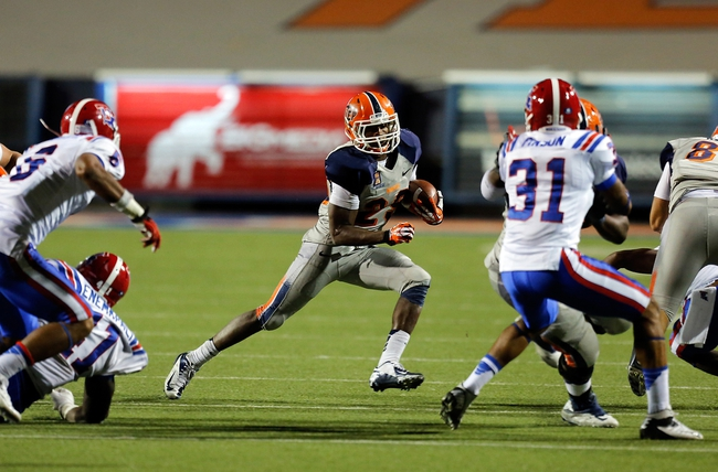 Oct 5, 2013; El Paso, TX, USA; UTEP running back Aaron Jones (29) runs the ball against the Louisiana Tech Bulldogs at Sun Bowl Stadium. Mandatory Credit: Ivan Pierre Aguirre-USA TODAY Sports