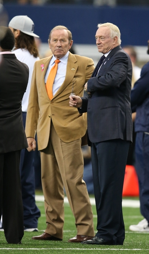 Oct 6, 2013; Arlington, TX, USA; Denver Broncos owner Pat Bowlen talks with Dallas Cowboys owner Jerry Jones prior to the game at AT&T Stadium. Mandatory Credit: Matthew Emmons-USA TODAY Sports
