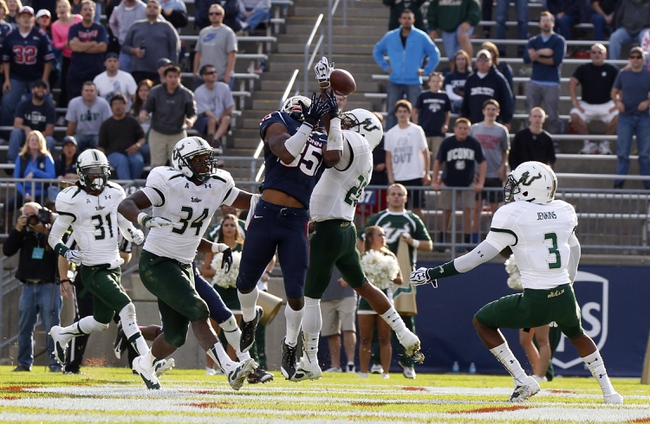 Oct 12, 2013; East Hartford, CT, USA; Connecticut Huskies wide receiver Geremy Davis (85) misses the pass in the last seconds of play against the South Florida Bulls at Rentschler Field. South Florida defeated Connecticut 13-10. Mandatory Credit: David Butler II-USA TODAY Sports