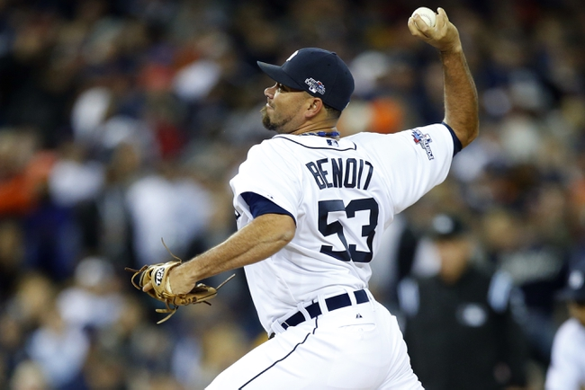 Oct 16, 2013; Detroit, MI, USA;  Detroit Tigers relief pitcher Joaquin Benoit (53) throws against the Boston Red Sox during the ninth inning in game four of the American League Championship Series baseball game at Comerica Park. Mandatory Credit: Rick Osentoski-USA TODAY Sports