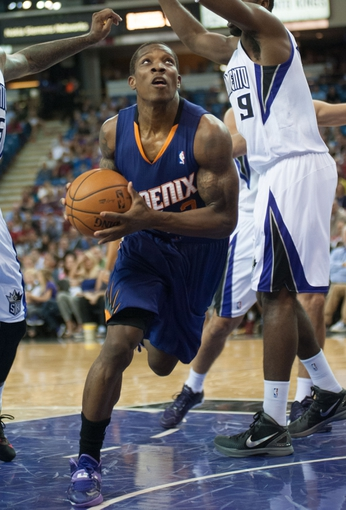 Oct 17, 2013; Sacramento, CA, USA; Phoenix Suns point guard Eric Bledsoe (2) drives to the basket against the Sacramento Kings during the third quarter at Sleep Train Arena. The Sacramento Kings defeated the Phoenix Suns 107-90 Mandatory Credit: Ed Szczepanski-USA TODAY Sports
