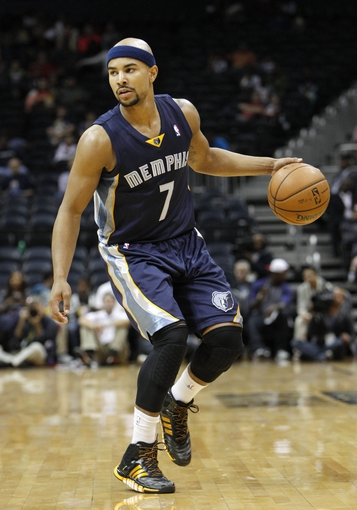 Oct 20, 2013; Atlanta, GA, USA; Memphis Grizzlies point guard Jerryd Bayless (7) dribbles the ball against the Atlanta Hawks in the second quarter at Philips Arena. Mandatory Credit: Brett Davis-USA TODAY Sports