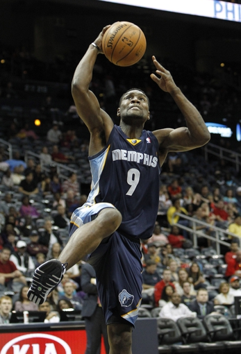 Oct 20, 2013; Atlanta, GA, USA; Memphis Grizzlies shooting guard Tony Allen (9) dunks against the Atlanta Hawks in the second quarter at Philips Arena. Mandatory Credit: Brett Davis-USA TODAY Sports