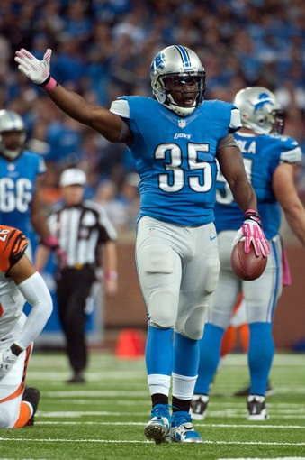 Oct 20, 2013; Detroit, MI, USA; Detroit Lions running back Joique Bell (35) gestures after a first down during the fourth quarter against the Cincinnati Bengals at Ford Field. Bengals won 27-24. Mandatory Credit: Tim Fuller-USA TODAY Sports