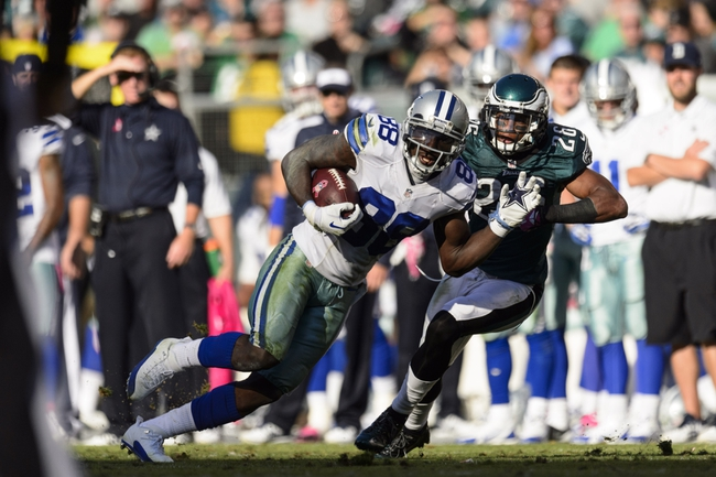 Oct 20, 2013; Philadelphia, PA, USA; Dallas Cowboys wide receiver Dez Bryant (88) is chased by Philadelphia Eagles cornerback Cary Williams (26) during the fourth quarter at Lincoln Financial Field. Mandatory Credit: Howard Smith-USA TODAY Sports