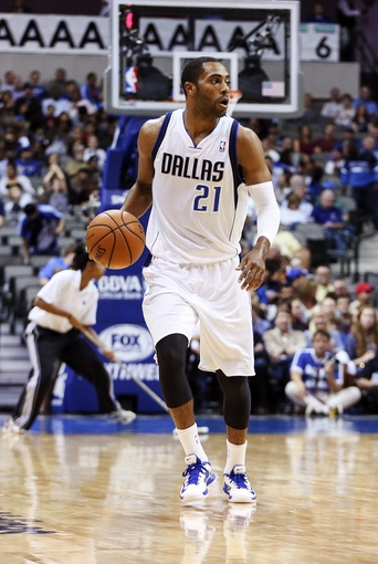 Oct 23, 2013; Dallas, TX, USA; Dallas Mavericks shooting guard Wayne Ellington (21) dribbles during the game against the Atlanta Hawks at American Airlines Center. Dallas won 99-88. Mandatory Credit: Kevin Jairaj-USA TODAY Sports