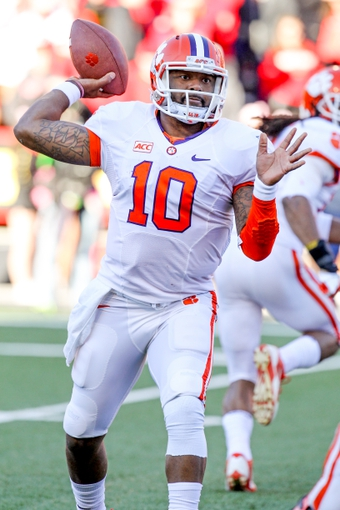 Oct 26, 2013; College Park, MD, USA; Clemson Tigers quarterback Tajh Boyd (10) pass against the Maryland Terrapins at Byrd Stadium. Mandatory Credit: Mitch Stringer-USA TODAY Sports