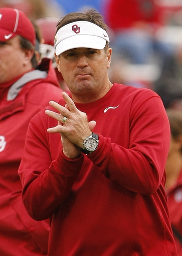 Oct 26, 2013; Norman, OK, USA; Oklahoma Sooners head coach Bob Stoops prior to the game against the Texas Tech Red Raiders at Gaylord Family - Oklahoma Memorial Stadium. Oklahoma won 38-30. Mandatory Credit: Alonzo Adams-USA TODAY Sports