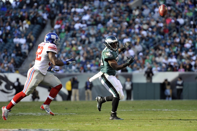 Oct 27, 2013; Philadelphia, PA, USA; Philadelphia Eagles running back LeSean McCoy (25) is unable to make a catch against the New York Giants during the second half at Lincoln Financial Field. The Giants won the game 15-7. Mandatory Credit: Joe Camporeale-USA TODAY Sports