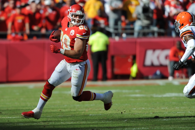 Oct 27, 2013; Kansas City, MO, USA; Kansas City Chiefs tight end Anthony Fasano (80) catches a pass and runs for short yardage during the second half of the game against the Cleveland Browns at Arrowhead Stadium. The Chiefs won 23-17.  Mandatory Credit: Denny Medley-USA TODAY Sports