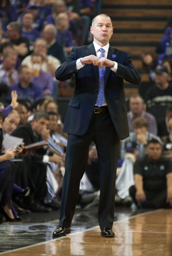 Oct 30, 2013; Sacramento, CA, USA; Sacramento Kings head coach Michael Malone directs his team during the first quarter of the game against the Denver Nuggets at Sleep Train Arena. Mandatory Credit: Ed Szczepanski-USA TODAY Sports