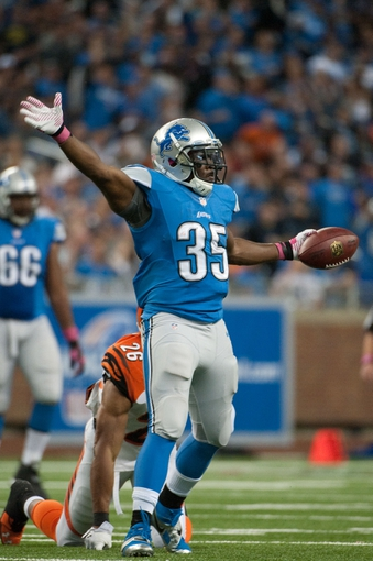 Oct 20, 2013; Detroit, MI, USA; Detroit Lions running back Joique Bell (35) during the fourth quarter against the Cincinnati Bengals at Ford Field. Bengals won 27-24. Mandatory Credit: Tim Fuller-USA TODAY Sports
