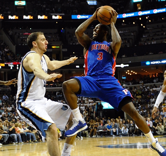 Nov 1, 2013; Memphis, TN, USA; Detroit Pistons shooting guard Rodney Stuckey (3) shoots the ball against Memphis Grizzlies center Kosta Koufos (41) the second half at FedExForum. Memphis Grizzlies beat the Detroit Pistons 111 to 108. Mandatory Credit: Justin Ford-USA TODAY Sports