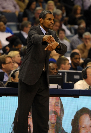 Nov 1, 2013; Memphis, TN, USA; Detroit Pistons head coach Maurice Cheeks calls a play against Memphis Grizzlies during the second half at FedExForum. Memphis Grizzlies beat the Detroit Pistons 111 to 108. Mandatory Credit: Justin Ford-USA TODAY Sports