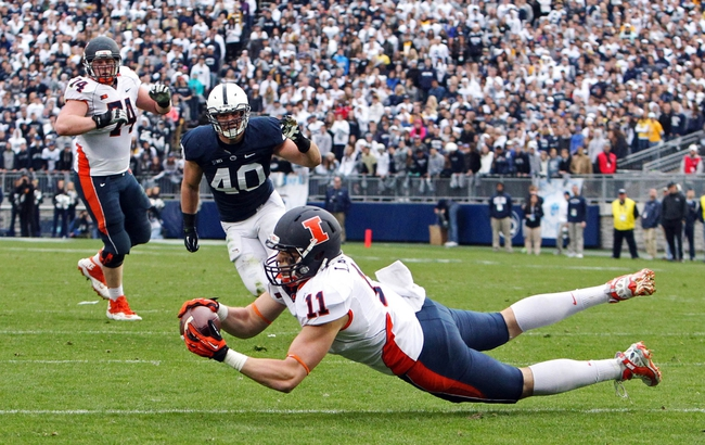 Nov 2, 2013; University Park, PA, USA; Illinois Fighting Illini tight end Matt LaCosse (11) makes a catch during the fourth quarter against the Penn State Nittany Lions at Beaver Stadium. Penn State defeated Illinois 24-17. Mandatory Credit: Matthew O'Haren-USA TODAY Sports