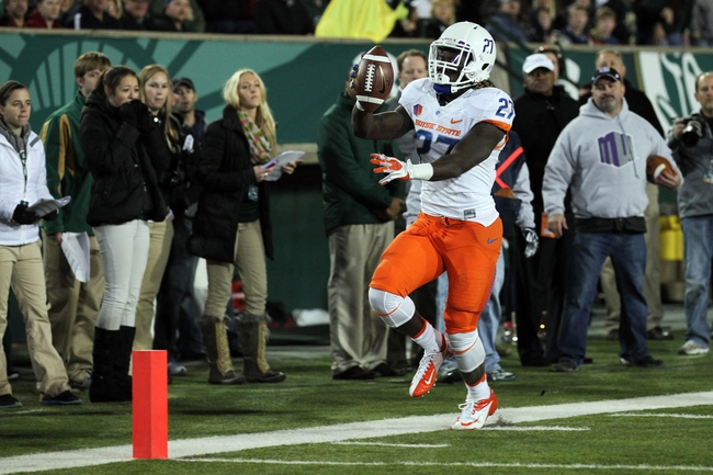 Nov 2, 2013; Fort Collins, CO, USA; Boise State Broncos running back Jay Ajayi (27) runs out at the two yard line against the Colorado State Rams during the first quarter at Hughes Stadium. Mandatory Credit: Troy Babbitt-USA TODAY Sports