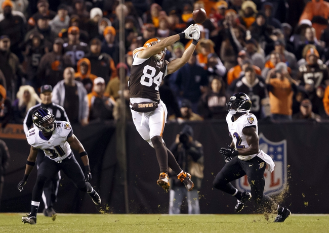 Nov 3, 2013; Cleveland, OH, USA; Cleveland Browns tight end Jordan Cameron (84) can't reach the pass in the fourth quarter against the Baltimore Ravens at FirstEnergy Stadium. Cleveland won 18-24. Mandatory Credit: Rick Osentoski-USA TODAY Sports