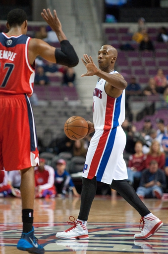 Oct 22, 2013; Auburn Hills, MI, USA; Detroit Pistons point guard Chauncey Billups (1) during the fourth quarter against the Washington Wizards at The Palace of Auburn Hills. Pistons won 99-96. Mandatory Credit: Tim Fuller-USA TODAY Sports