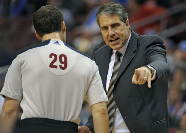 Nov 6, 2013; Philadelphia, PA, USA; Washington Wizards head coach Randy Wittman questions referee Steve Javie (29) against the Philadelphia 76ers during the first half at Wells Fargo Center. Mandatory Credit: Eric Hartline-USA TODAY Sports