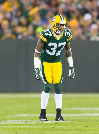 Nov 4, 2013; Green Bay, WI, USA; Green Bay Packers cornerback Sam Shields (37) during the game against the Chicago Bears at Lambeau Field. Chicago won 27-20.  Mandatory Credit: Jeff Hanisch-USA TODAY Sports