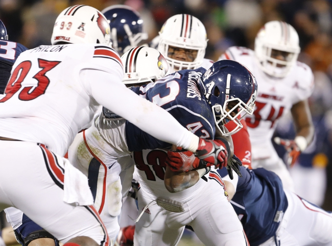 Nov 8, 2013; East Hartford, CT, USA; Connecticut Huskies running back Lyle McCombs (43) runs the ball against the Louisville Cardinals in the second quarter at Rentschler Field. Mandatory Credit: David Butler II-USA TODAY Sports