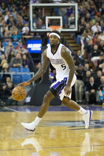 Nov 5, 2013; Sacramento, CA, USA; Sacramento Kings small forward John Salmons (5) controls the ball against the Atlanta Hawks during the fourth quarter at Sleep Train Arena. The Atlanta Hawks defeated the Sacramento Kings 105-100. Mandatory Credit: Kelley L Cox-USA TODAY Sports