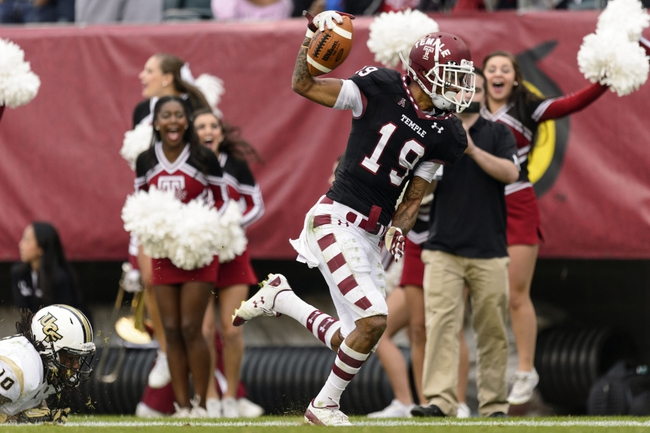 Nov 16, 2013; Philadelphia, PA, USA; Temple Owls wide receiver Robby Anderson (19) carries for a touchdown during the second quarter against the UCF Knights at Lincoln Financial Field. Mandatory Credit: Howard Smith-USA TODAY Sports