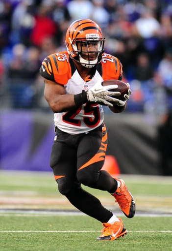 Nov 10, 2013; Baltimore, MD, USA; Cincinnati Bengals running back Giovani Bernard (25) runs with the ball during the game against the Baltimore Ravens at M&T Bank Stadium. Mandatory Credit: Evan Habeeb-USA TODAY Sports